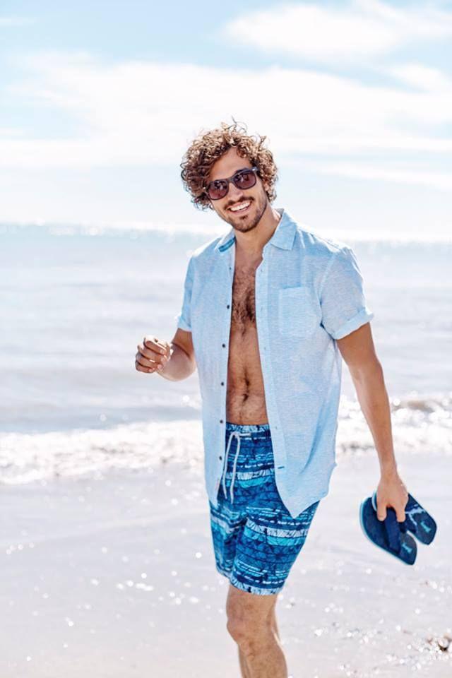 Ξεχώρισε το φετινό καλοκαίρι στην παραλία, με το στυλ και την εμφάνιση σου. Tip: Επωφελήσου με προσφορές στα καλοκαιρινά είδη #Sale #beachwear #mantaray