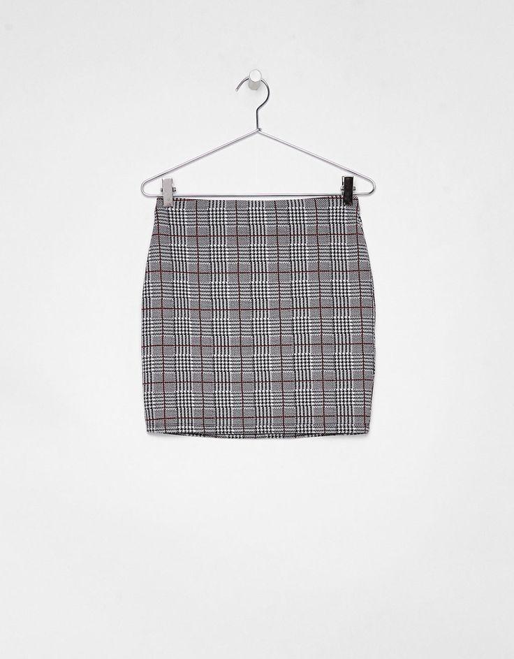 Falda corta ajustada - Faldas - Bershka España
