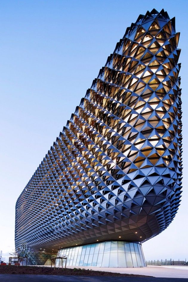 Photographer Peter Clarke has sent us images of SAHMRI, the South Australian Health and Medical Research Institute designed by Woods Bagot.