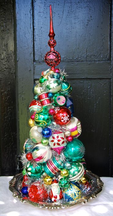 Tabletop tree made of vintage ornaments. Love it! 2014 Designs | Glittermoon Vintage Christmas