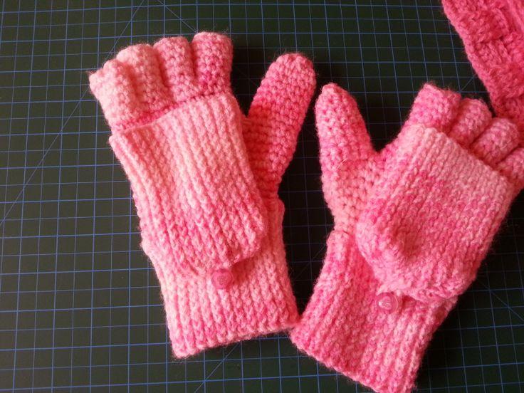Knitting Pattern For Childrens Gloves : fingerless gloves fingerless gloves-mittens Pinterest