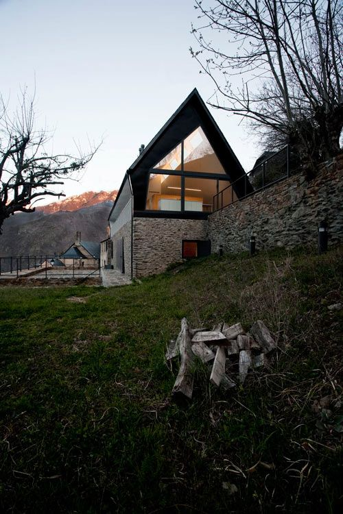 House At The Pyranees by Cadaval & Solà Morales