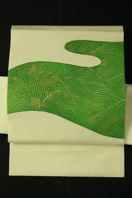 Ivory shioze, nagoya obi / アイボリー塩瀬地 緑色の流水お太鼓柄 名古屋帯   #Kimono #Japan http://www.rakuten.co.jp/aiyama/