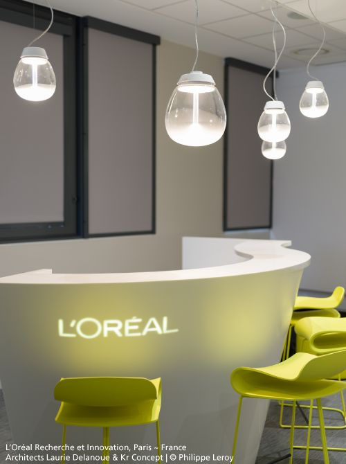 L'Oréal Paris chose the beauty of the #Empatia light pendants ► http://bit.ly/Empatia_S #design Carlotta de Bevilacqua & Paola Monaco di Arianello
