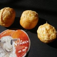Gougère au fromage Vlimeux pour le mousseux Veuve du Vernay sur Wikibouffe
