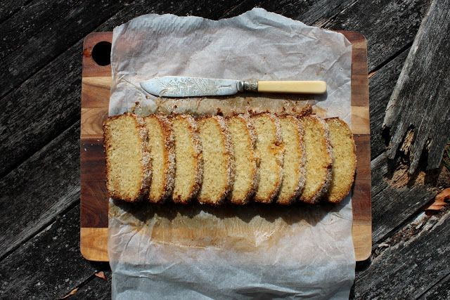 petite kitchen: coconut bread with 3 ingredients