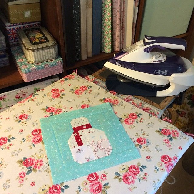 Over excited by my fancy pants new cordless iron and the pressing board I made. No excuses now for less than perfect patchwork 😁😳 #patchwork #henhouse #haveyourselfaquiltylittlechristmas