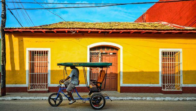Consejos y herramientas para planificar la visita e itinerario para organizar un viaje perfecto a Cuba, sobre todo si es la primera vez que se viaja a Cuba, la isla de las contradicciones. http://lonelyplanet.es/blog-guia-practica-para-viajar-a-cuba-598.html