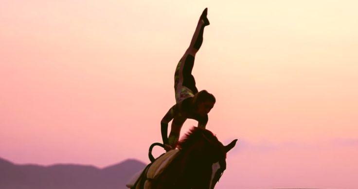 #SURFINGWAVESONHORSES #VAULTING #VOLTEIO #HORSES #TWILIGHT #SPORT #DAWN #THAISTAVARESPAES #RAPHAELMACEK #MARCOSKURTZ #WAVES #BEACH #BRAZIL #COSTUMEDESIGN