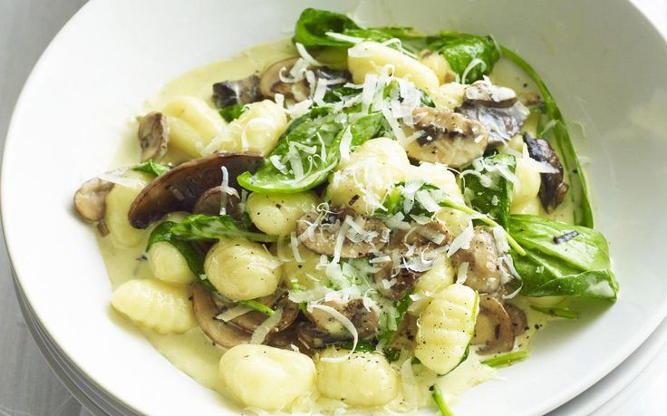 There's absolutely no hassle involved in this easy Italian dish. With a creamy sauce, melted cheese and juicy mushrooms this is one gnocchi recipe you'll be saving for later.