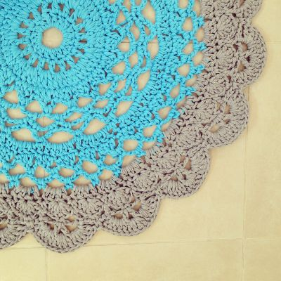 Crochet Tshirt Yarn / Trapillo Doily Rug Pattern By Creative Jewish Mum.  Crocheted By OsaEinaim