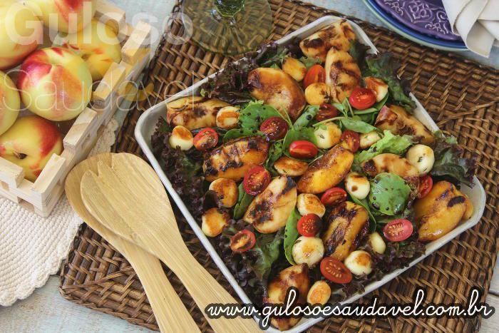 Receita de Salada de Pêssegos com Redução de Balsâmico