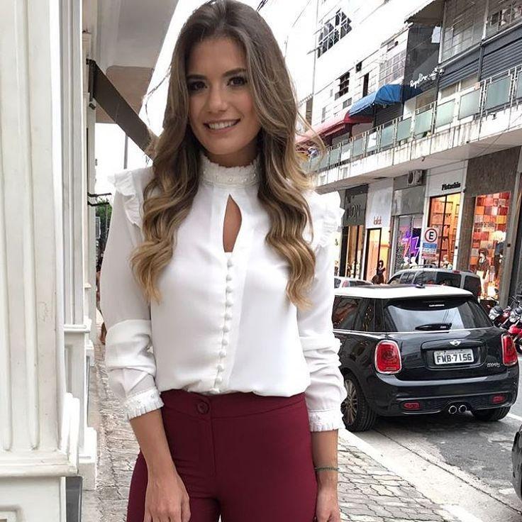 """238 curtidas, 7 comentários - Rosa Cravo Moda Feminina (@rosacravoinsta) no Instagram: """"Camisa Off White muito delicada e charmosa!❤❤ Detalhes de pérolas na gola! Disponível em nosso…"""""""