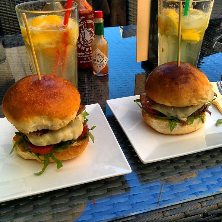 Pesti Burger és Bár in Budapest, Budapest
