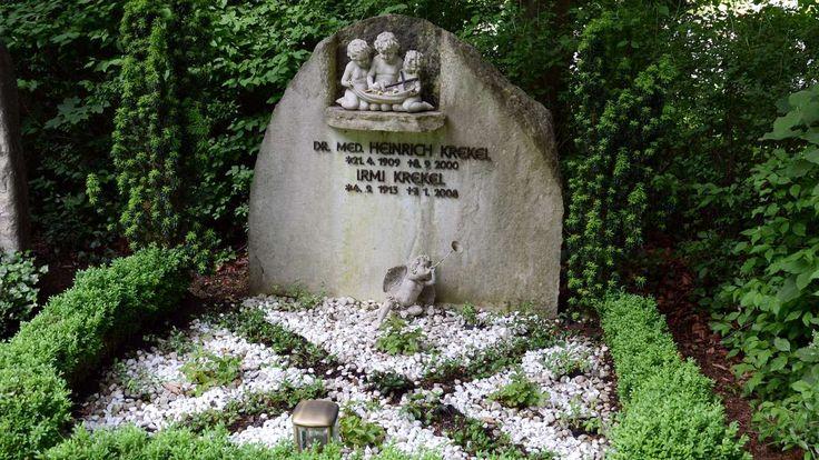 Nach der Trauerfeier in der Kirche St. Michael in München, wird der Schauspieler  († 86) auf dem Friedhof Gräfelfing beigesetzt.