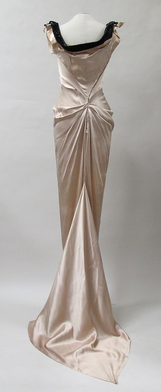 Evening dress, Charles James,  mid-1930s, silk. - The Metropolitan Museum of Art  2013.305  (back view)