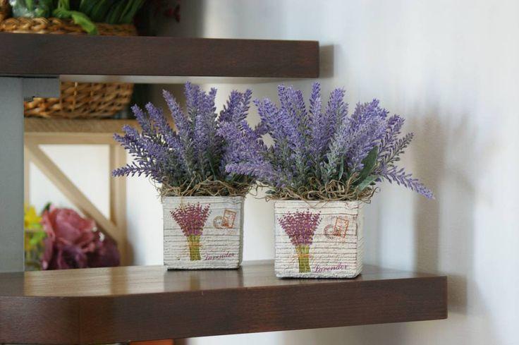 Lavanda | aranjamentele au fost livrate #aranjament #aranjamente #flori #artificiale #floriartificiale #lavanda #lila #violet #mov #decoratiuni #infrumusetare #casa #flowerstagram #beatrixart www.beatrixart.ro