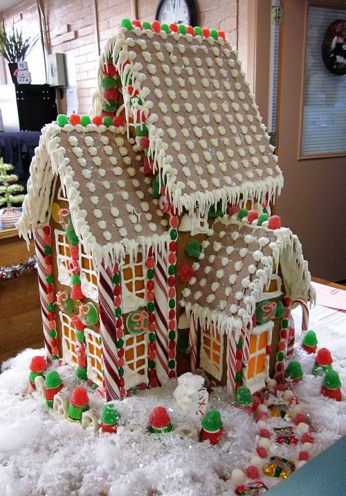 Gingerbread House http://gettinby.wordpress.com/2011/12/13/if-at-first-you-dont-succeed/