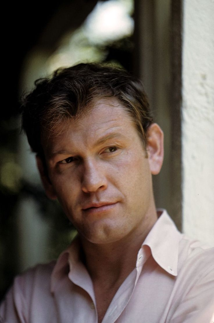 Earl Holliman (by Richard c miller) brings 'The kindness of strangers' to Alma's desolated confusion.