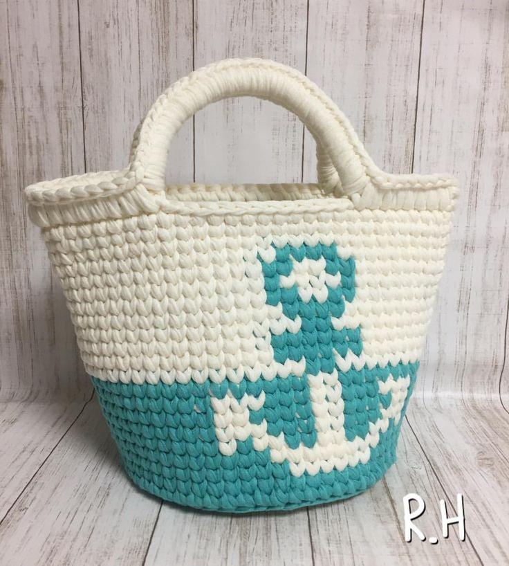 . マルシェバッグ タテ19 ヨコ26 底直径17 . 在庫のある糸で作製したら冬と春を通り越してかなり夏になってしまいましたが⚓︎マークが可愛いバッグが完成しました . この時期に販売しても、、、 と思うのですが、気になる方がいらっしゃいましたらコメントかDMにてお問い合わせください✨ . . .  #ズパゲッティ#モノポップ#zpagetti#monopop#aknit#handmade#marine#fashion #マルシェバッグ#トートバッグ#ショルダーバッグ#ビーチ#大人可愛い#大人コーデ#デニムコーデ#大人カジュアル#かわいい