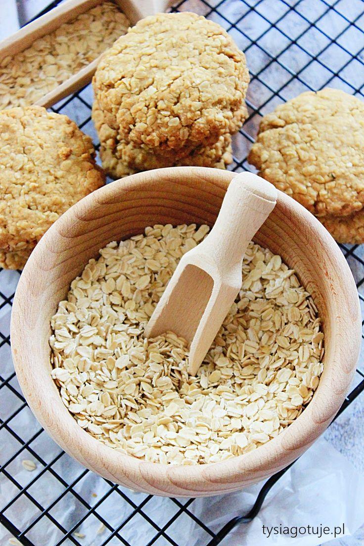 Kruche, bardzo delikatne, idealne do chrupania.   Ciasteczka z masłem orzechowym, bo o nich mowa są banalne w przygotowaniu i bardzo smaczn...