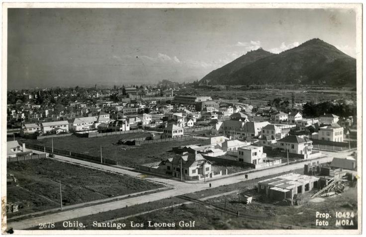Calle Los Leones en la comuna de Providencia, alrededor de 1940 Foto: Enrique Mora