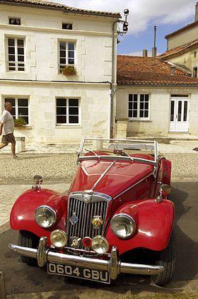 MG TF Enano Voiturerouge-01.JPG Ronsenac TF 1250 1953 Visión de conjunto Producción1953-1955 Carrocería y el chasis Tipo de cuerpo2 puertas roadster sistema de propulsión Motor1250 cc (1,3 L) Tipo de XPAG I4 1466 cc (1,5 L) XPEG tipo I4 Dimensiones Longitud147 en (3734 mm) Anchura59 en (1499 mm) Altura52.5 en (1334 mm) [4]