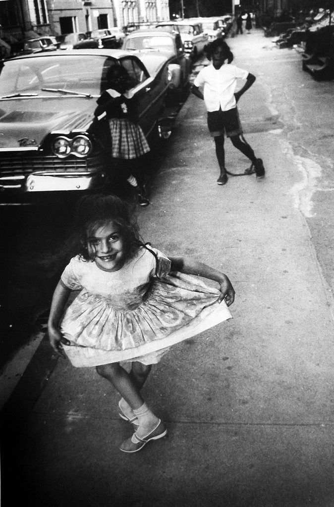 How to see without a camera | by Garry Winogrand Curtsy, c. 1960s.