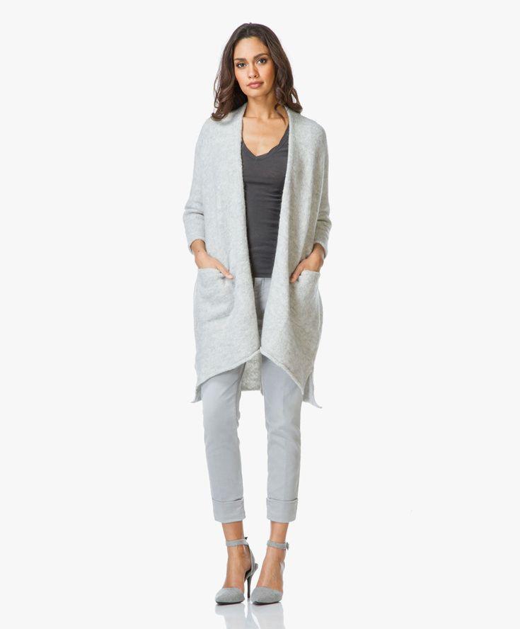 Creëer een relaxte 24/7 stijl met dit open vest van American Vintage in een ingetogen lichtgrijs mêlee kleurtint.
