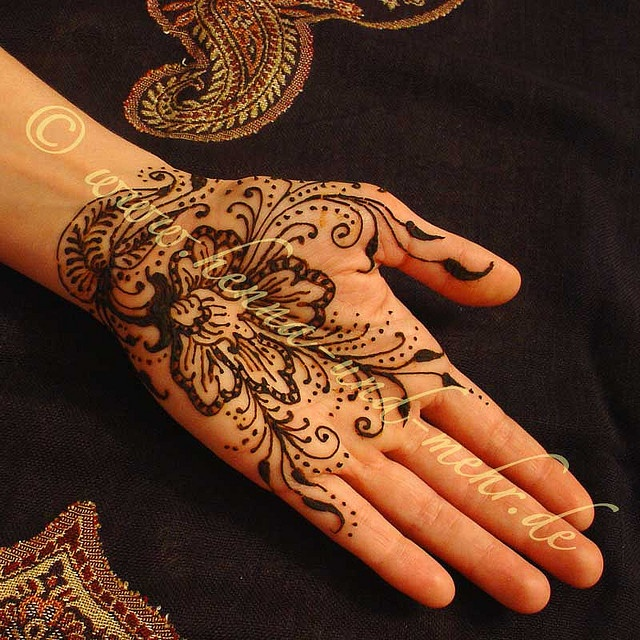 East Indian Henna Tattoo: Around The World (Middle East) Images On