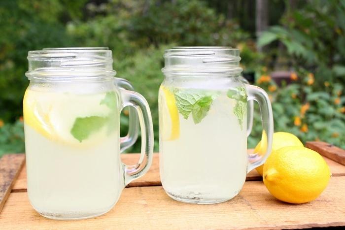 mason jar mugs- for drinks/favors