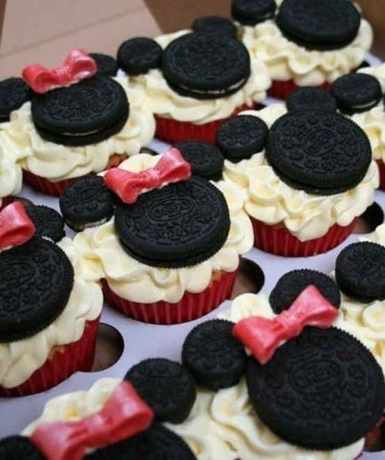 Minnie Mouse cupcakes. I like the icing on these. Red or pink and white to look like Minnie's skirt.