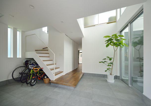 CASE 373 | 白を基調とした吹き抜けのある家(東京都世田谷区) | 注文住宅なら建築設計事務所 フリーダムアーキテクツデザイン