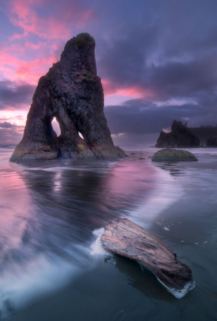 Ruby Beach, Olympic National Park Washington USA - has ruby-like crystals in the beach sand, a tremendous amount of driftwood, and is notable for the number of sea stacks // Jay D
