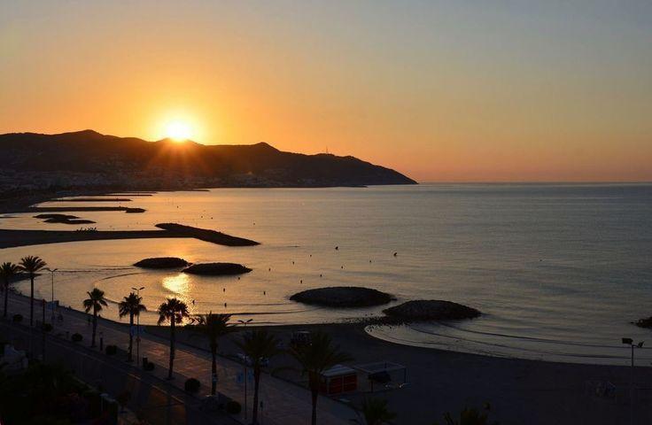 Bon dia desde Sitges!! V.2 #sitges #buenosdias #sol #mar #mediterraneo #goodmorning #sun #sea #mediterranean