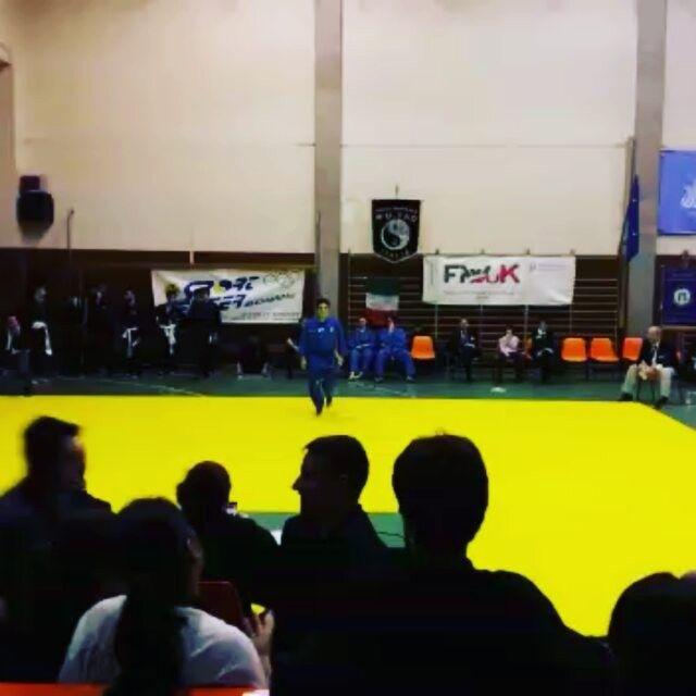 Forma nunchaku campionati italiani interstile kung fu, Vovinam 😊 😊 👊 👊  #vietvodao #kungfu #vovinamvietvodao #artimarziali #vovinam #nunchaku #tattoo #tatuaggio #shuriken #tattooshuriken #allenamento #training #martialarts #spada #armi #pugni #nunchaku