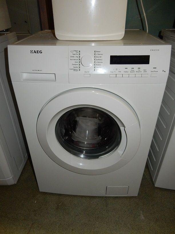 AEG Lavamat Padtex wasmachine. Goed voor 7 kg wasgoed. Kleine wasjes van 3 kg binnen 20 minuten klaar. A+++. Prijs € 199,00