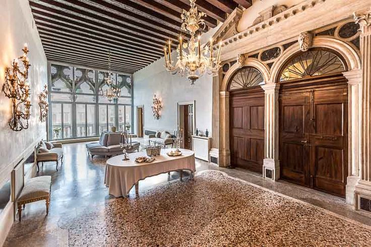 A New Picture of the first Piano Nobile of Palazzo Loredan dell'Ambasciatore #Venice #Travel #Luxury #Palazzo