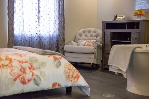 Bloomington normal birth center birth photography - The living room center bloomington in ...