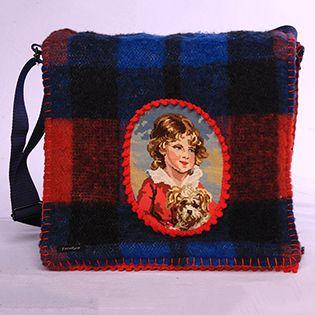 Schoudertas gemaakt van een geruite wollen deken - Shoulder bag made from a checkered blanket by Froekus #retro