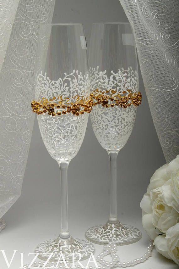 GOLD Wedding champagne flutes Gold champagne flutes Engraved