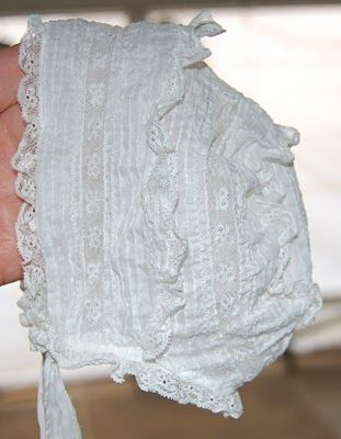 The Old Fashioned Baby Sewing Room: White Vintage Baby Bonnet - Pretty!
