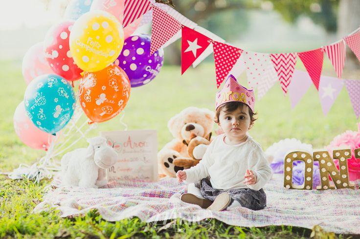 Sesión de fotos de cumpleaños y familia en el bosque en otoño en Barelona, cumpleaños, bebé, bosque, tardor, fiesta, picnic, pastel, aniversari