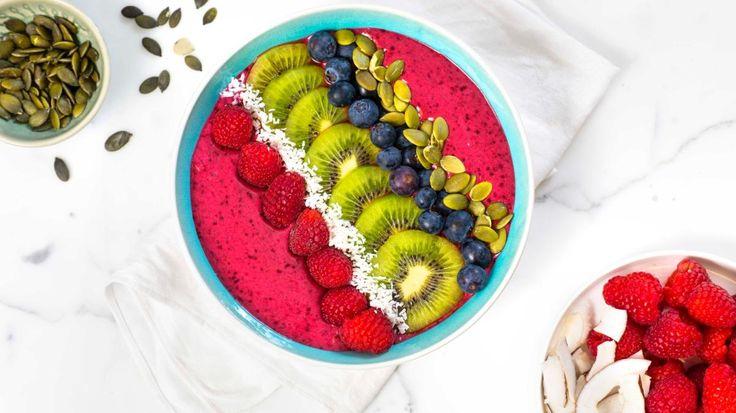Oppskrift på Smoothie bowl med bringebær og blåbær