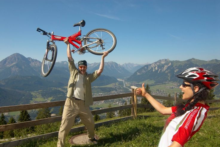 tierischer-urlaub.com - Das Portal für Urlaub mit Hund, Katze, Pferd & Co   Radfahren und Mountainbiken. Tierischer Urlaub in Österreich - Tirol - Naturpark Lechtal (c) Gasthof Bären