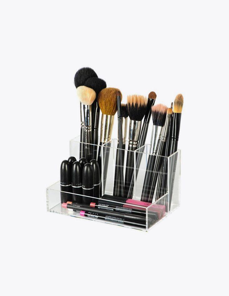 Brush Holder Make-up Organizer - De Brush holder helpt je bij het netjes opbergen van kleinere items, zoals kwasten, lipstick en eyeliners.