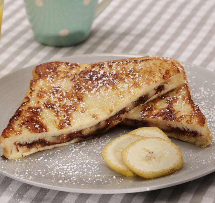 Stuffed Chocolate French Toast: goldbraun ausgebackenes Schokoladen-Toast