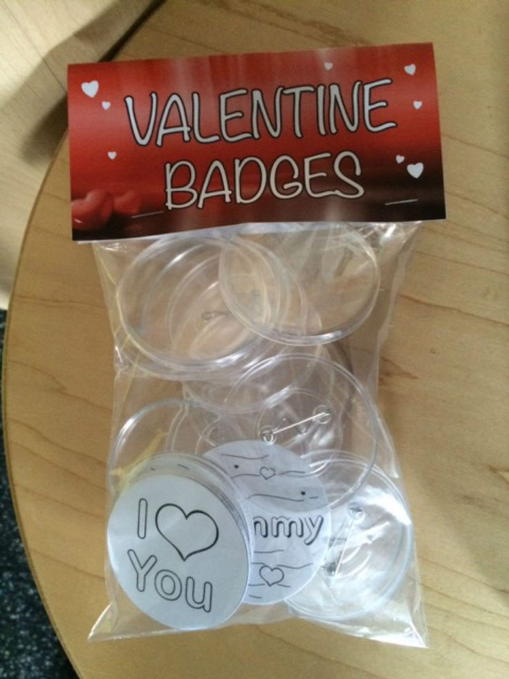 Make your Own Valentine Badges 55mm Pack of 12
