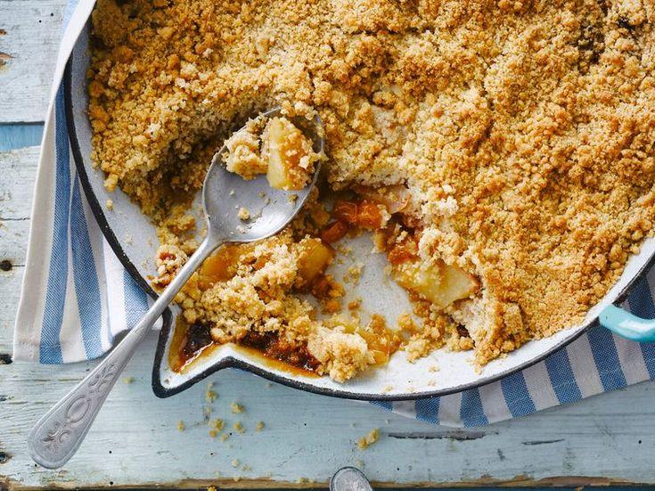Découvrez la recette Crumble aux pommes rapide sur cuisineactuelle.fr.