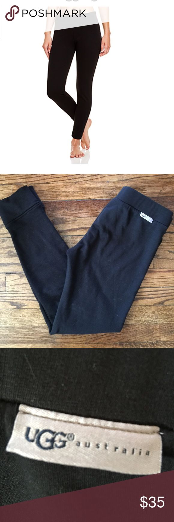 Ugg fully lined black leggings size medium black These are in great shape. Ugg brand size medium and no rips of stains. They are size medium and have a 28 inch inseam. Retail for $75 UGG Pants Leggings